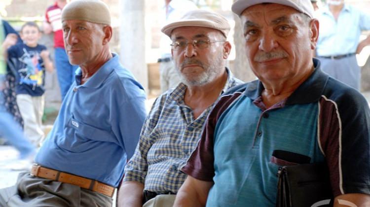 Emeklilikte Yaşa Takılanlarda Son Durum Nedir?