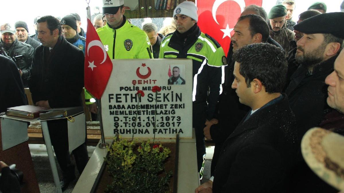 Şehit polis memuru Fethi Sekin kabri başında anıldı