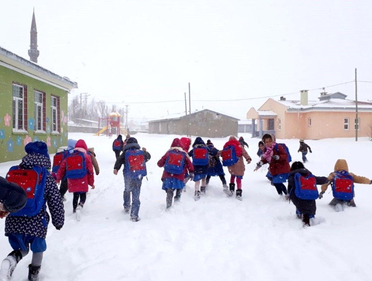 Öğretmenlere Kar tatilinde ek ders ödenir mi?